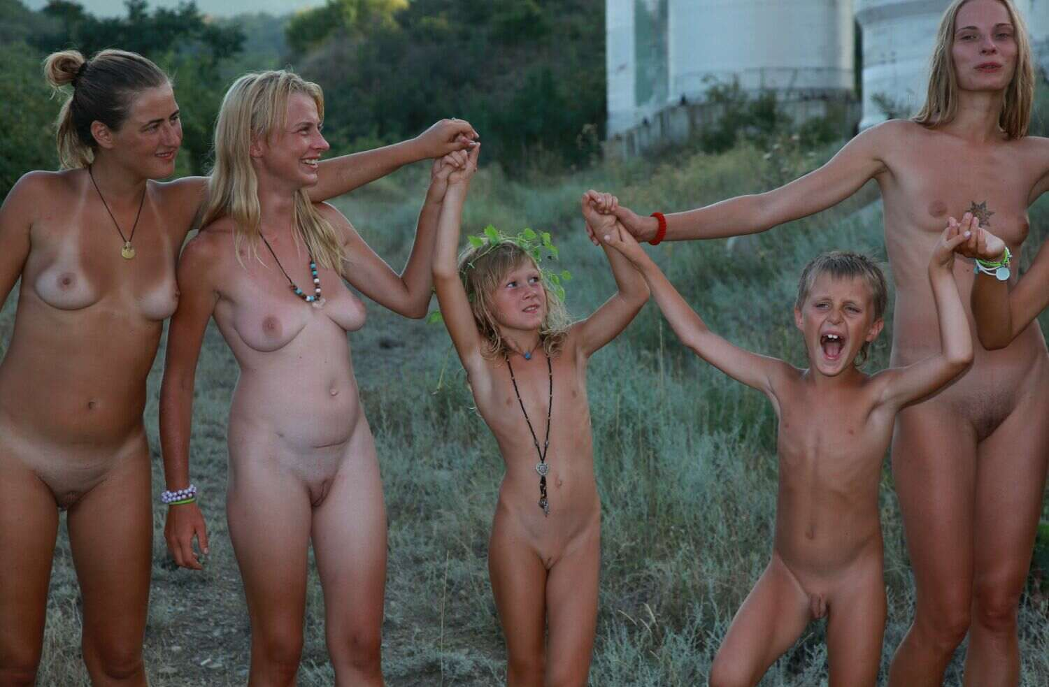 family naturists pictures